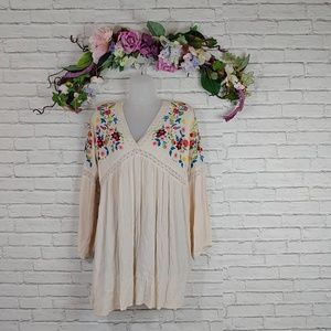 NWT Chelsea & Violet Embroidered Long Sleeve Dress